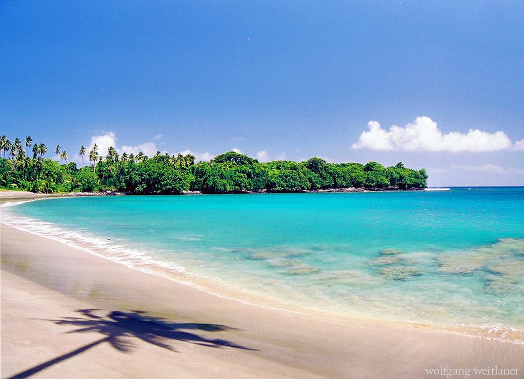 aganoa-beach