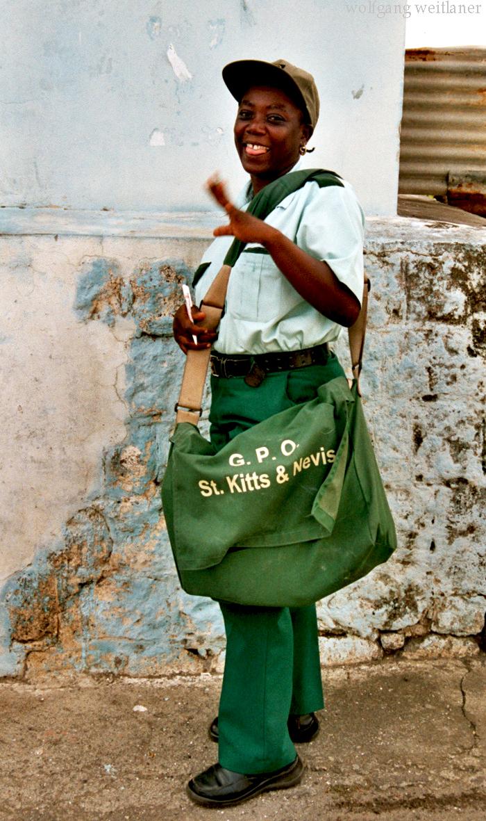 Briefträgerin-St.Kitts