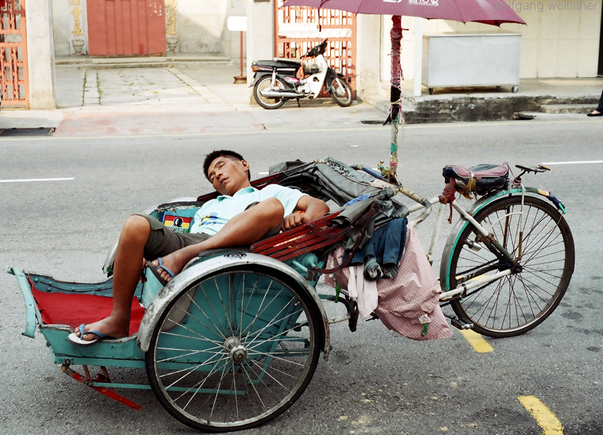 Schlafender-Rikscha-Fahrer