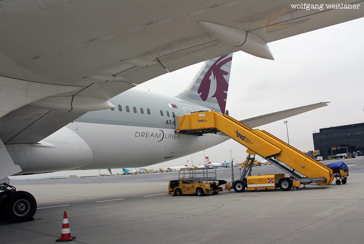 Dreamliner B787 Airport Wien