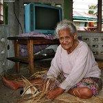 Humorvolle und liebenswürdige alte Frau in Samoa