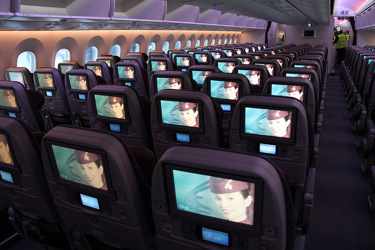 Economy-Class Dreamliner B787- Qatar Airways
