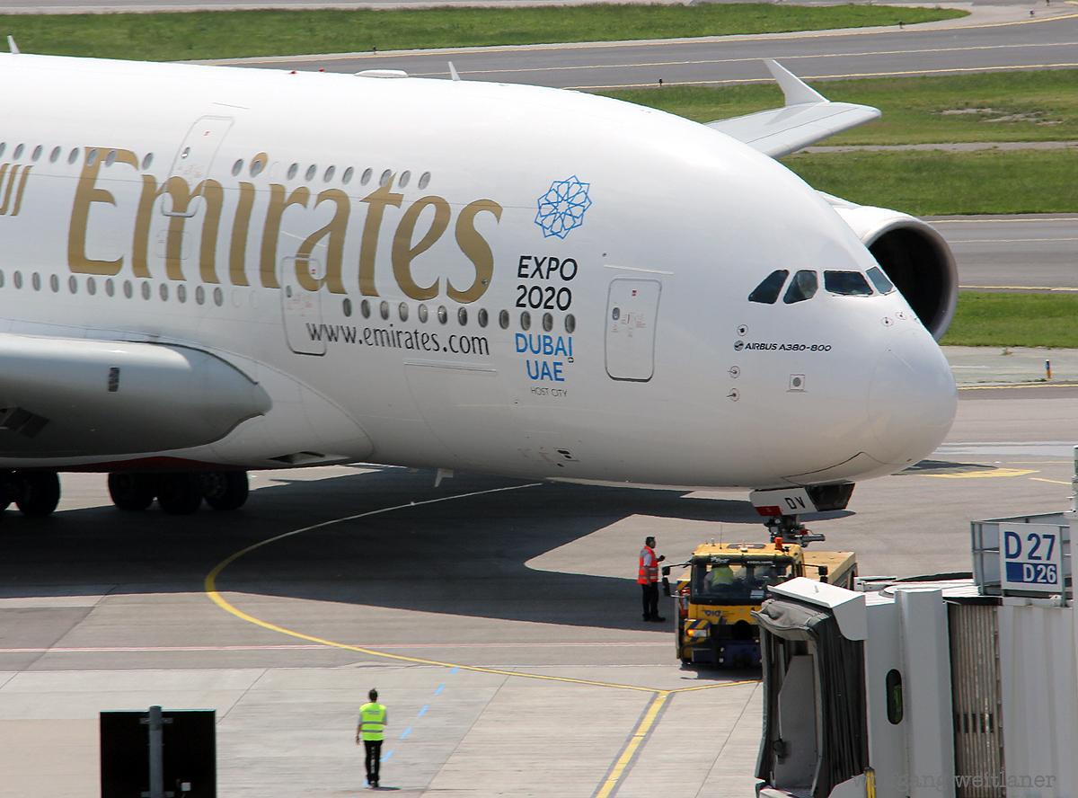 Emirates A-380 in Wien, Flughafen Wien