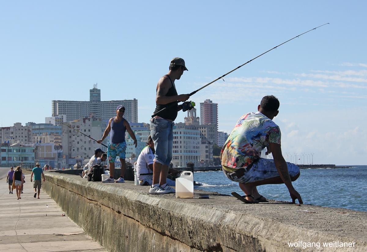 Fischer am Malecon, Havanna, Kuba