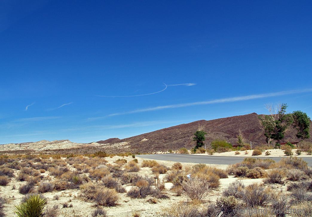 Hwy 14: Am Weg zum Red Rock Canyon, Kalifornien