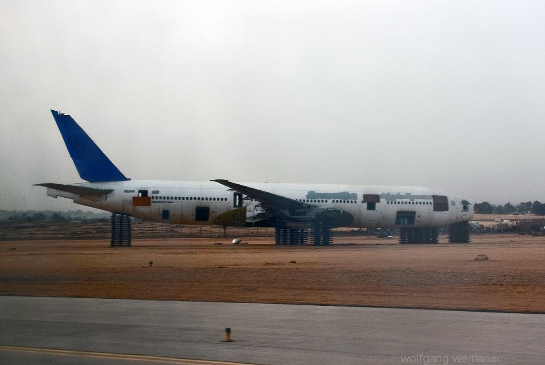 Flugzeugwrack am Airport in Kairo, Ägypten