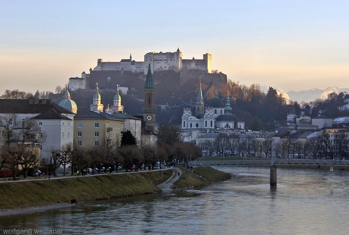 Blick aus dem Zugsfenster, Hohensalzburg, Salzburg, Österreich