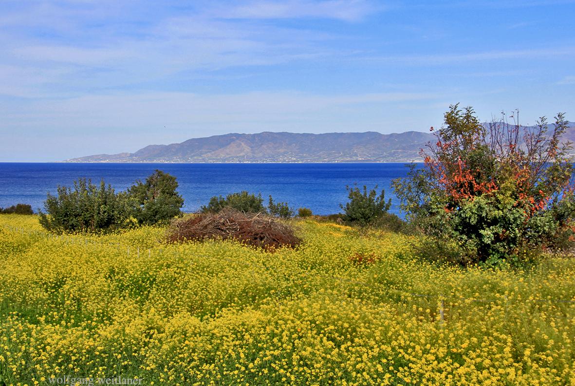 Blick über die Küste von Tilliria, Zypern,