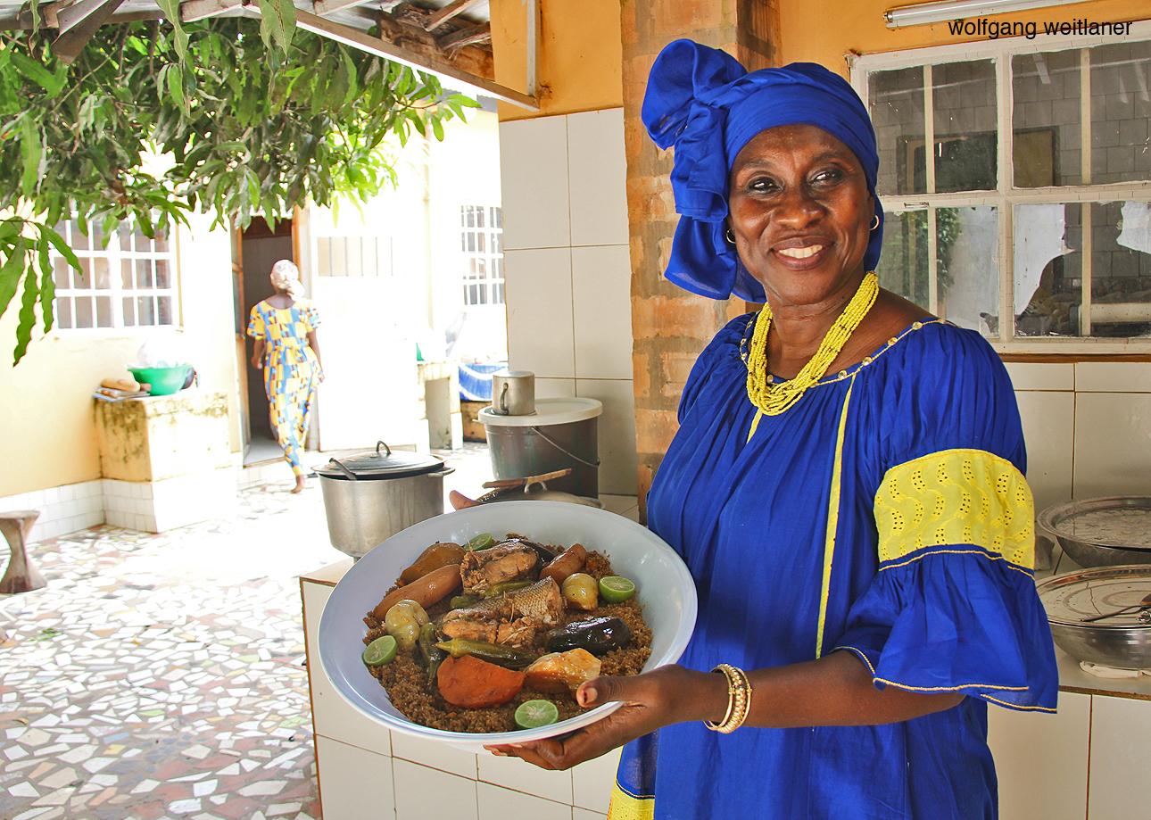 Kochen mit Ida Cham, Serrekunda, Gambia, Westafrika