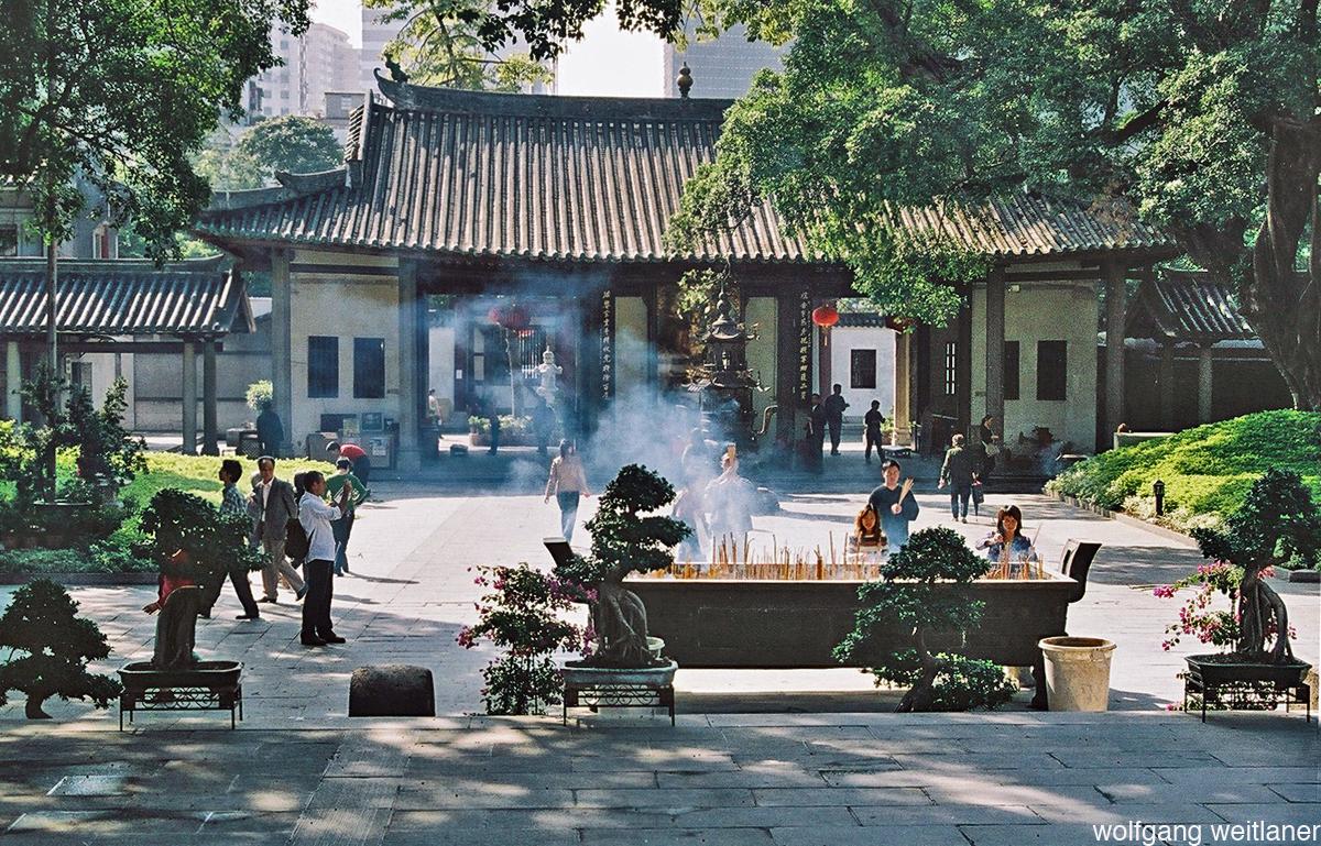 Gebet im Gungxiao-Tempel, Guangzhou, Guandong, China