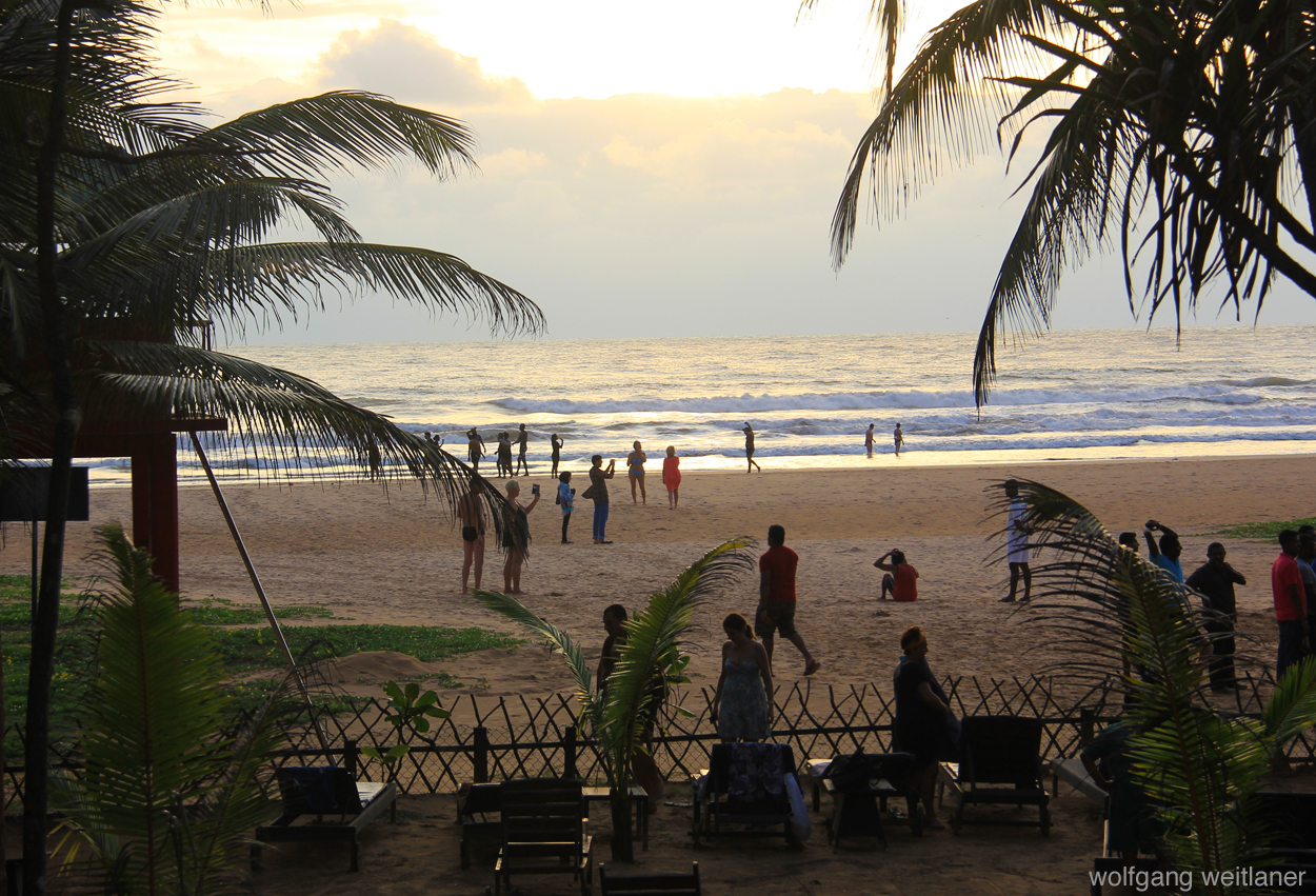 Sundowner-Beach-Party, Bentota, Sri Lanka