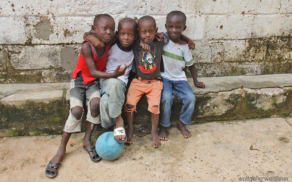 Kinder in Bakau, Gambia, Westafrika