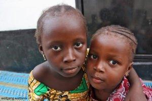 Portrait zweier Kinder, Serrekunda, Gambia, Westafrika