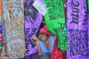 Händlerin am Markt in Apia, Samoa
