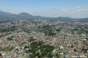 Die Welt von oben: Über Arusha, Tansania, Ostafrika