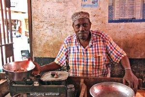 Verkäufer am Markt von Stonetown, Sansibar, Tansania