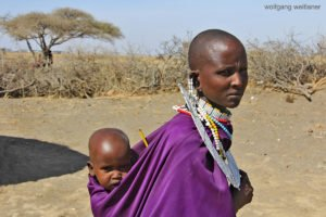 Massai-Frau mit Baby, Ngorongoro Conservation, Tansania