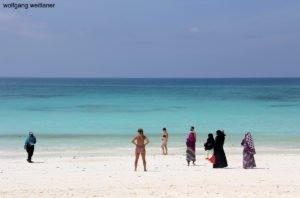 Strand an der Ostküste Sansibars, Sansibar, Tansania