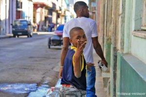 Kinder in der Altstadt von Havanna, Kuba