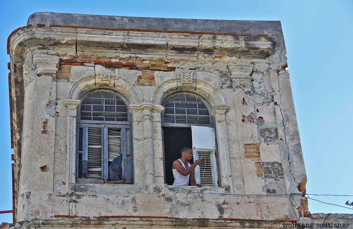 Suche nach dem besten Netz, Altstadt Havanna, Kuba